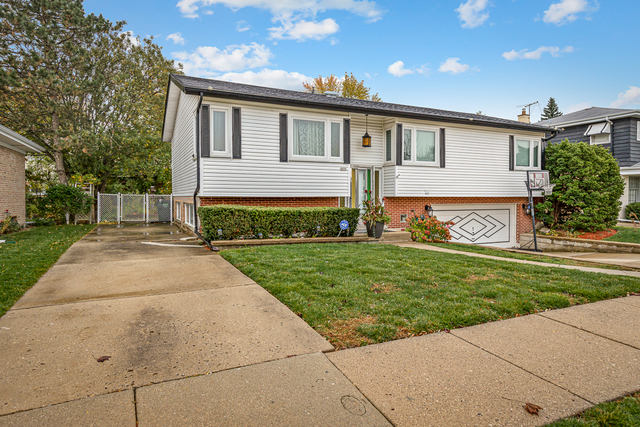 Come check out this wonderful fully updated raised ranch in highly desirable Niles area. Close to tr