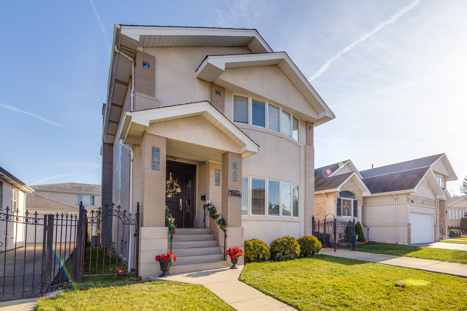 MOVE IN READY, CUSTOM FINISHES 5 BEDROOM/4 BATH HOME IN SOUGHT IN AFTER AREA OF JEFFERSON PARK WITH