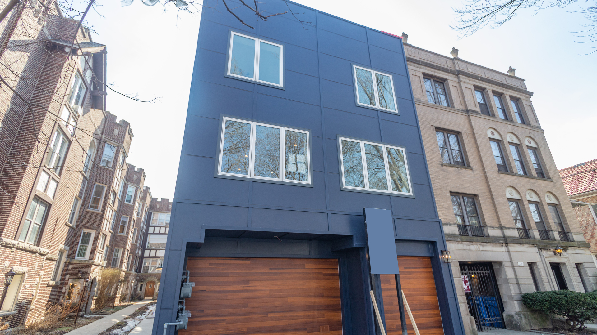 New construction rowhouses in beloved East Rogers Park feature contemporary curated finishes and spa