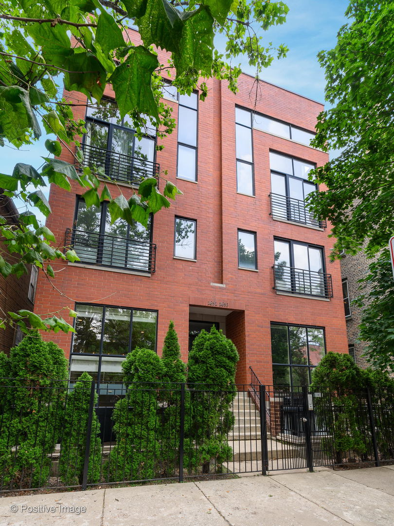 STUNNING 3 bed / 2.5 bath duplex down with 2 PRIVATE OUTDOOR SPACES in the heart of the WEST TOWN ne
