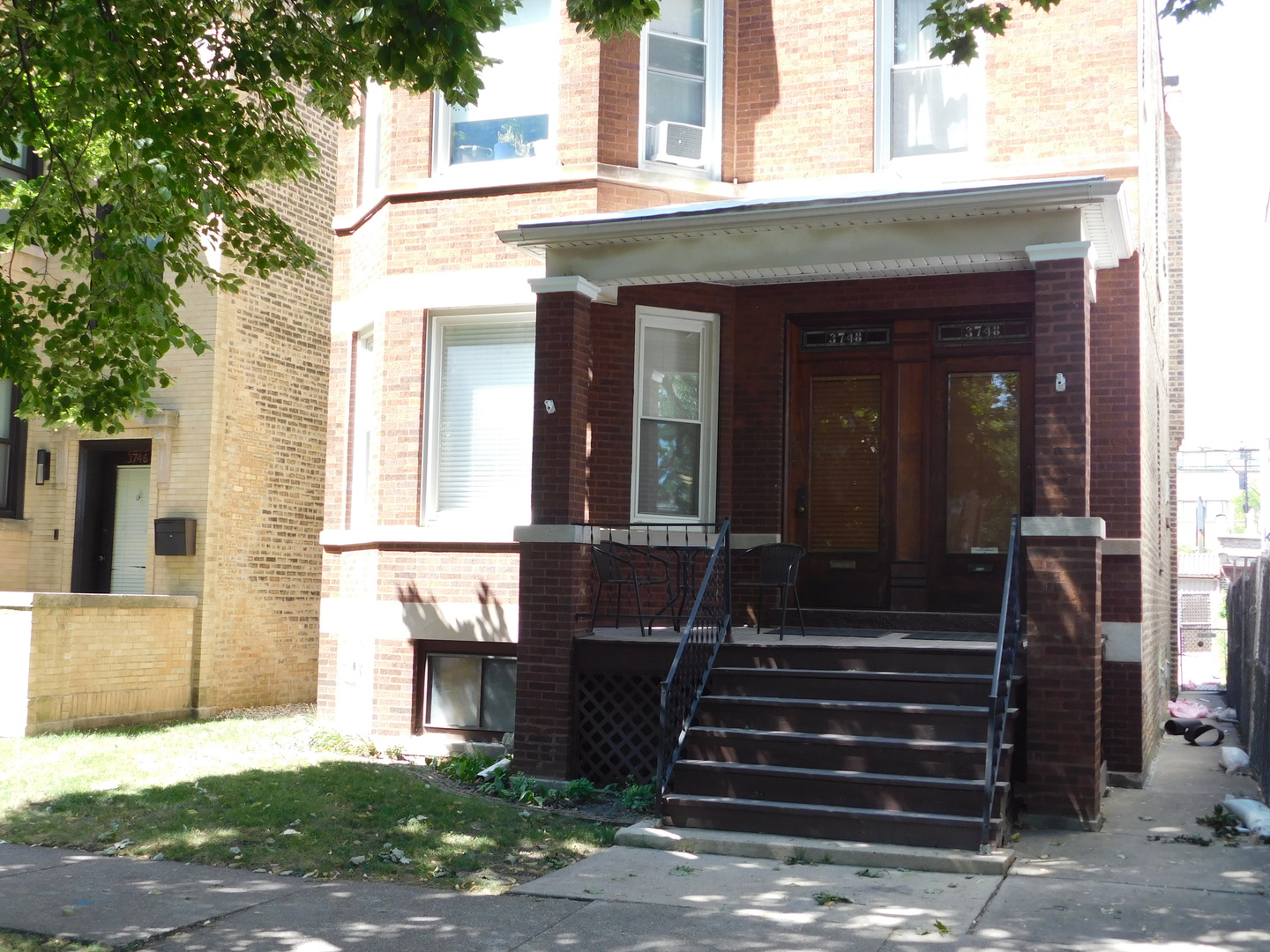 AMAZING RESIDENCE, INVESTMENT, DEVELOPMENT OR LIVE/RENT OPPORTUNITY WITH THIS WONDERFUL ALL BRICK 2-