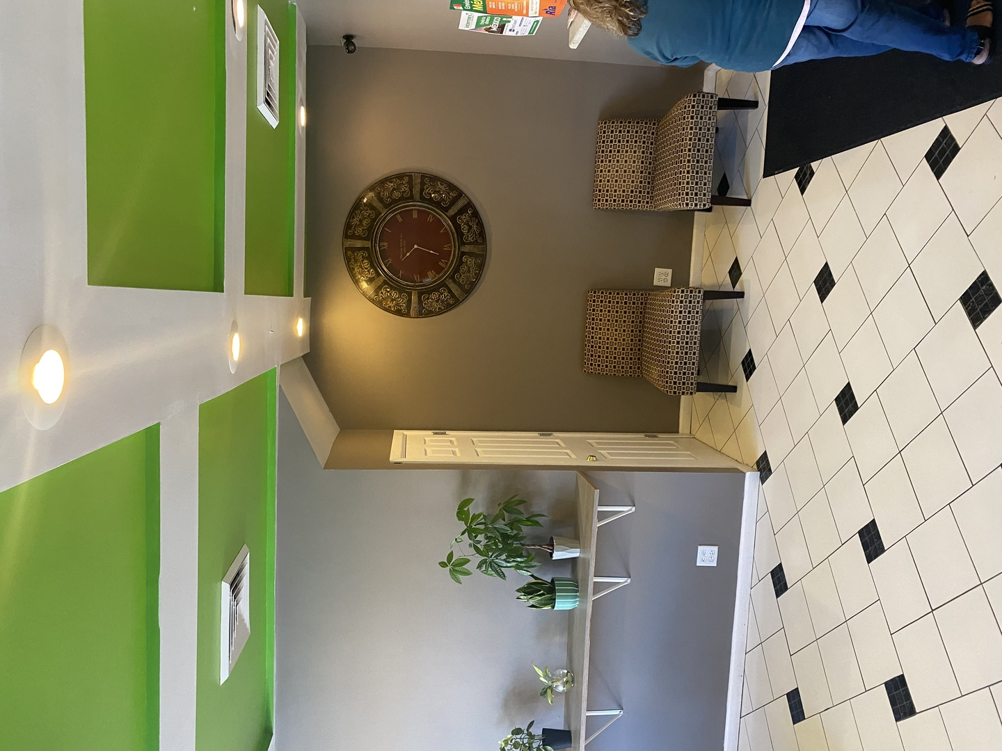 Great location with lots of businesses. Located in a highly visible/busy street in the East Side of