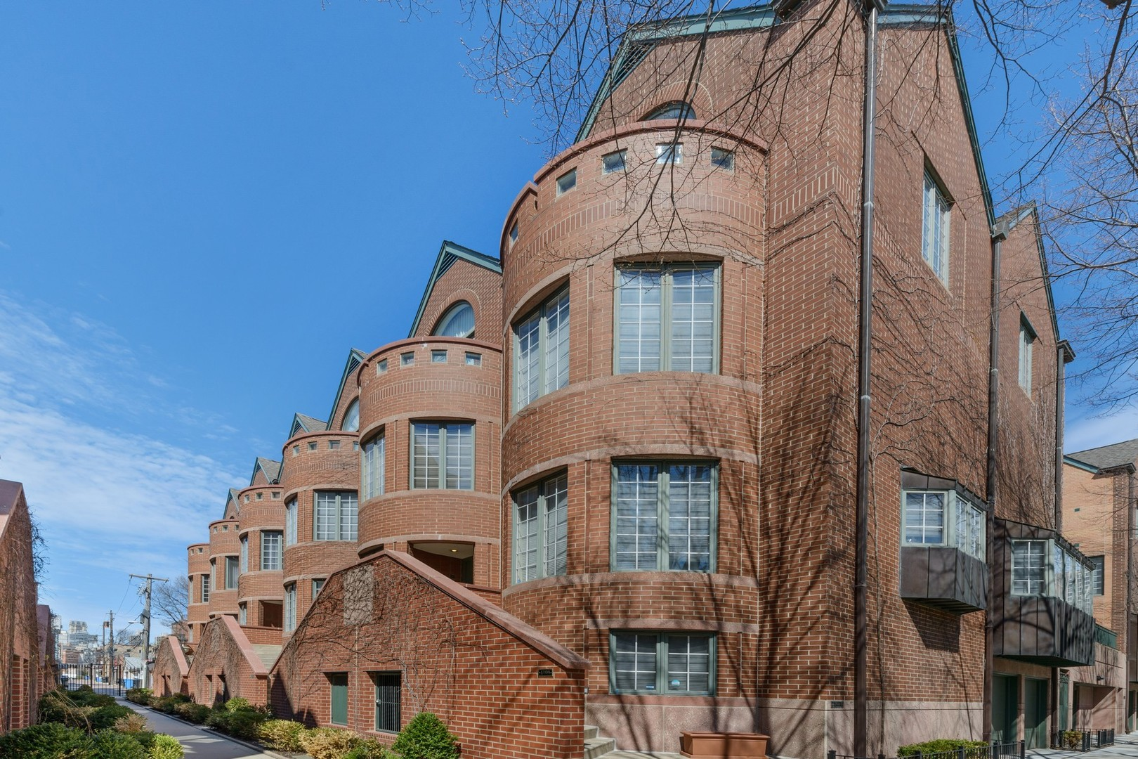 Beautifully upgraded townhome in highly coveted Belgravia Terrace  Townhome development located in t